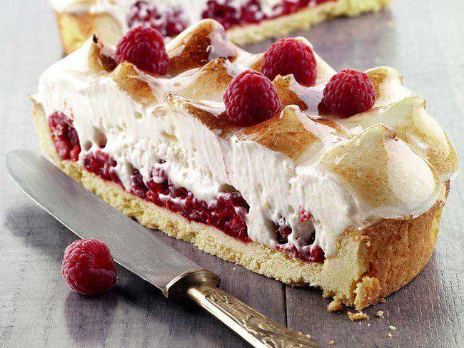 Una crostata davvero unica: ecco la crostata di lamponi con chibouste alla vaniglia