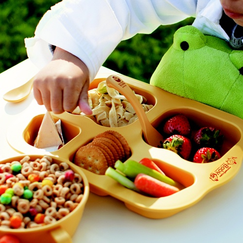 Great to encourage children to develop healthy habit of eating well balanced meals!  Available at www.kidsberry.com.au