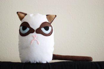 Шьем игрушку «хмурый кот» своими руками — Своими руками
