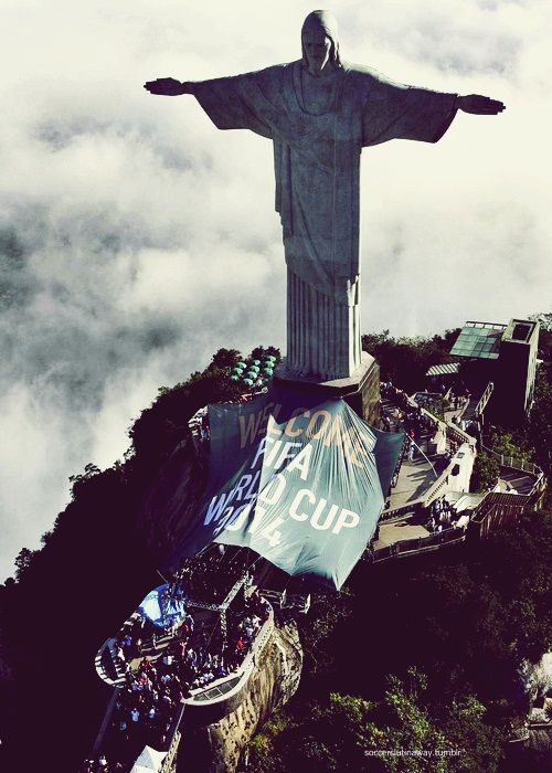 FIFA World Cup 2014 in Brazil...In love with this statue. I want to draw it. Like, Comment, Repin !!