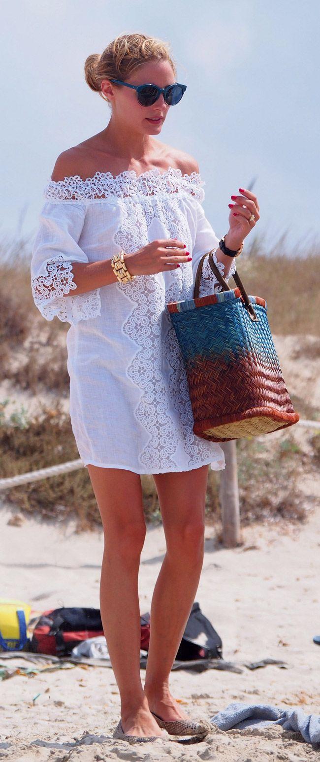 Así se divina va Olivia a la playa..¡mejor que muchas irían a una fiesta!