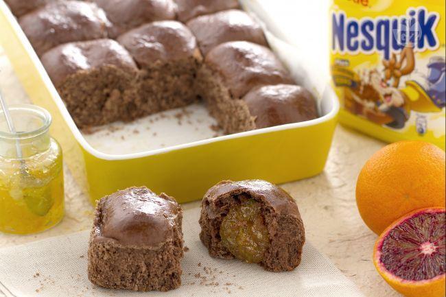 Il danubio dolce al Nesquik è un dolce a base di fagottini al gusto di Nesquik ripieni di marmellata di arance e gocce di cioccolato.