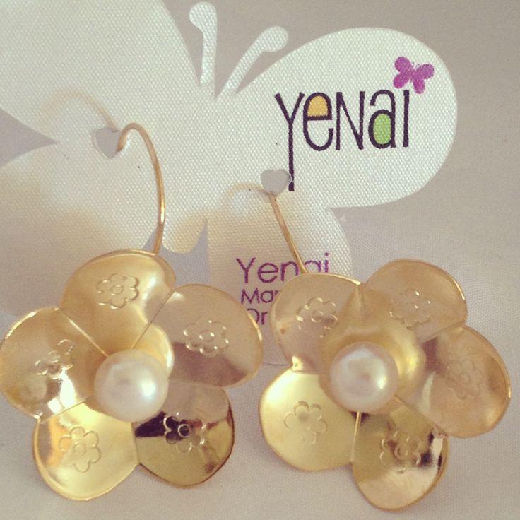 Cute flowers with pearls earrings