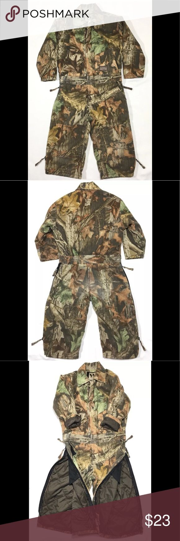 """Insulated Camouflage Camo Coveralls YOUTH BOY Sz 4 Youth Hunting Coveralls by Walls Camouflage print - Advantage Timber pattern Size 4 Regular - Youth Zips up front Cotton/polyester shell Polyester lining and insulation Quilted lining Zip outer legs all the way up to waist 2 Chest pockets 2 Hand pockets Great pre-owned condition - slight fading in the rear end. Measurements taken laying flat: Chest: 15"""" Waist: 12.5"""" Inseam: 12"""" Sleeve length from armpit: 10"""" Overall length: 33"""" Walls Jackets…"""