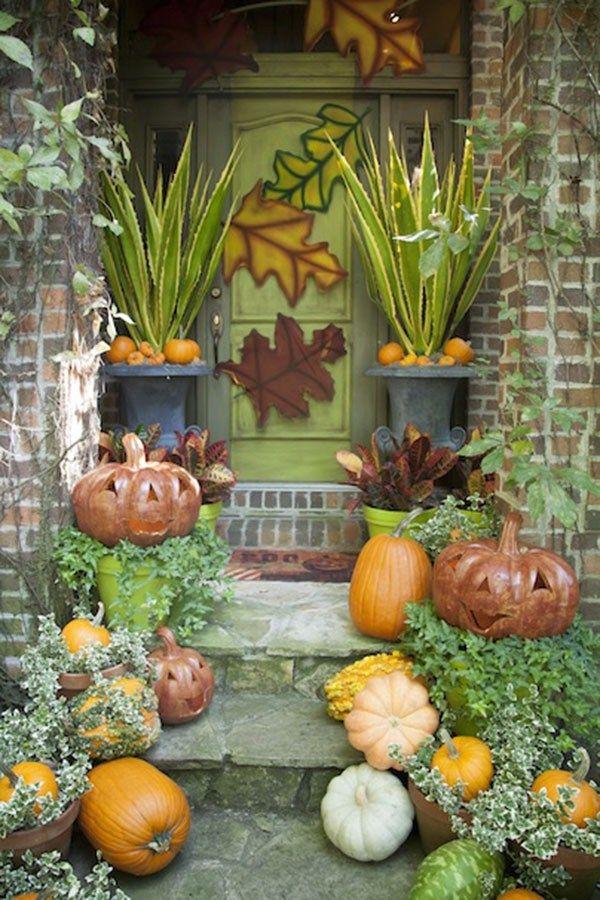 Amazing Earthy & Green Fall Porch decoration