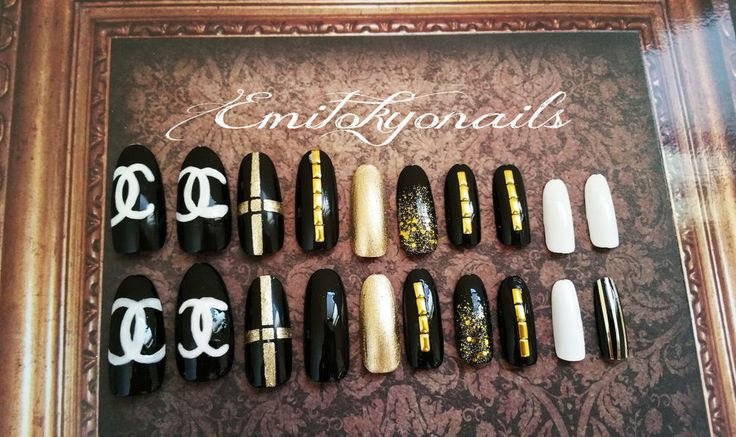 Press on Nails,Stiletto Nails, Luxury Nails, Hand Painted False Nails ,20 Nails