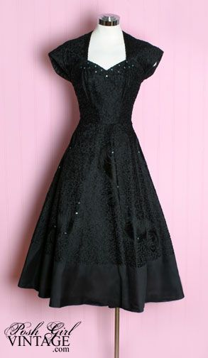 1940s Casablanca black evening dress. So pretty, I wish I had a closet full of vintage style dresses!