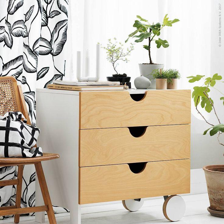 """IKEA Sverige (@ikeasverige) su Instagram: """"Arkitekten och designern @thomassandell har skapat möbler för IKEA PS sedan 90-talets första…"""""""