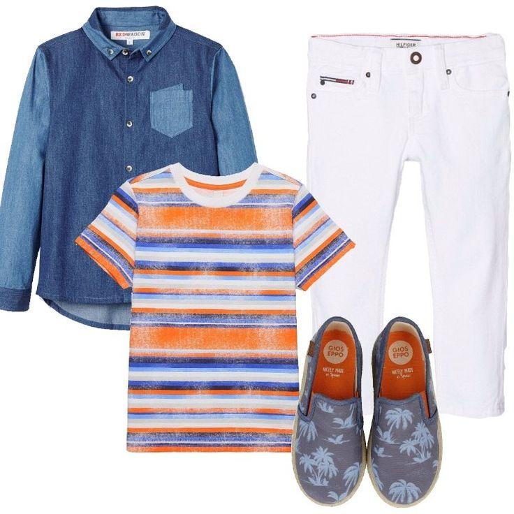Un outfit primaverile, dai toni allegri e comodi: jeans bianco slim fit, chiuso con cerniera e bottone, tasche, logo, abbinato a t-shirt orange in fantasia a righe, scollo tondo, manica corta. Camicia in jeans, in due tonalità di blu, collo button-down, taschino, fondo stondato sul dietro, espadrillas blu in tela, in fantasia punta tonda, elastici in contrasto, logo.