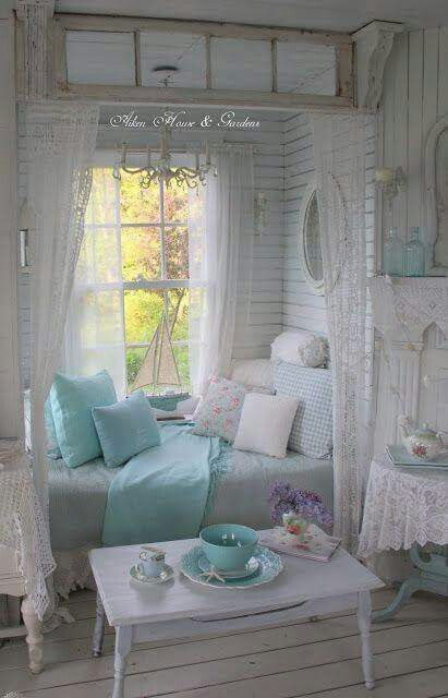I love everything about this. Lovely European Interior Design. The Best of shabby chic in 2017. – Home Decoration – Interior Design Ideas