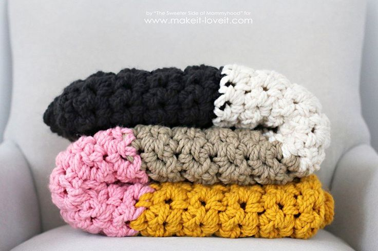 How to Crochet a Chunky Blanket....an affordable beginner project! | via Make It and Love It