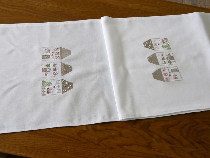 Tischdecken - Tischläufer, handgestickt  - ein Designerstück von szamie bei DaWanda