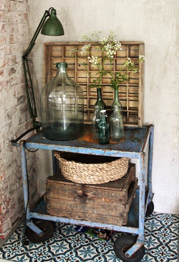 Download the FLEATIQUE APP  on the App Store ----- Vintage House. Display Ideas. Side Table. Decor style design interior hgtv home kitchen casa retro antique antiques repurposed repurpose repurposing upcycled upcycle junk gypsy gypsies