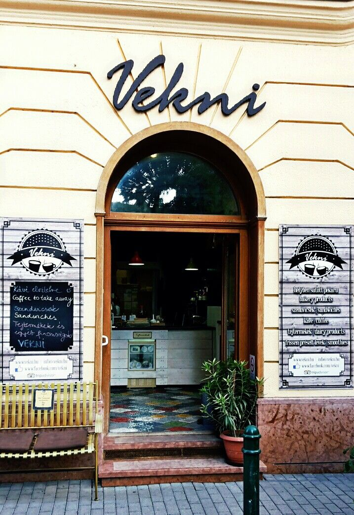 BUDAPEST - Vekni Vekni is a small bakery on Ferenc tér, offering coffee, sandwich, bakery products, dairy products and many other speciality all day long.