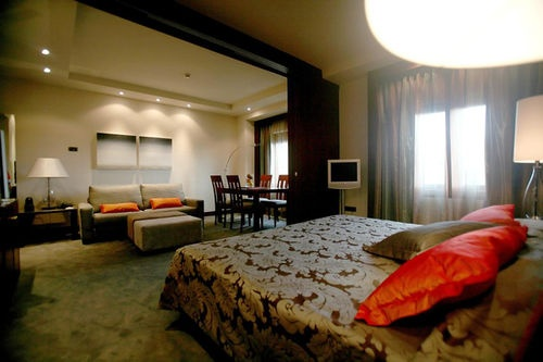 Hotel avenida palace the hotel also offers room service - Hotel palace de barcelona ...