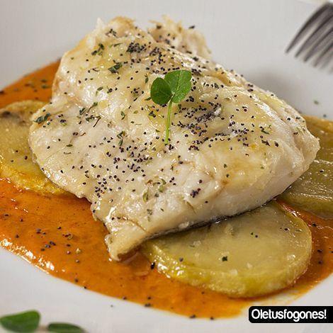 Bacalao confitado en salsa de piquillos dulce, Receta Petitchef