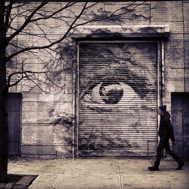 JR Street Artist en 2020 Wow art, Noir et blanc