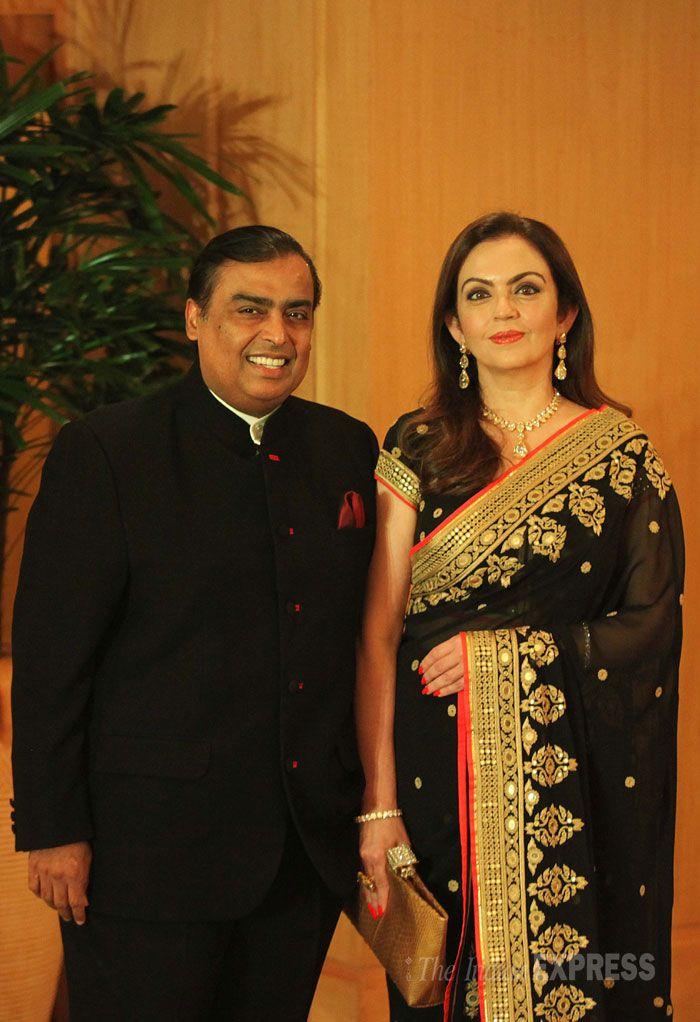 Mukesh and Nita Ambani pose for the shutterbugs.