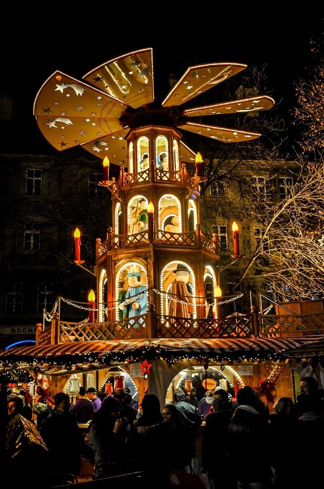 Even the food stalls are elaborate at the Nuremberg Christmas market (article)