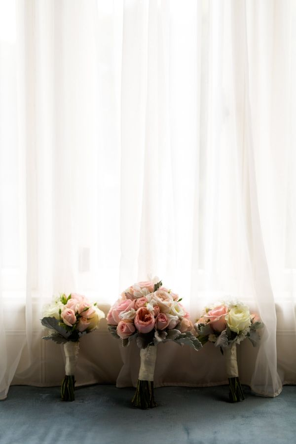 Photographe de mariage Sophie Asselin, Photographe Montréal | Wedding bouquets, pink and blush
