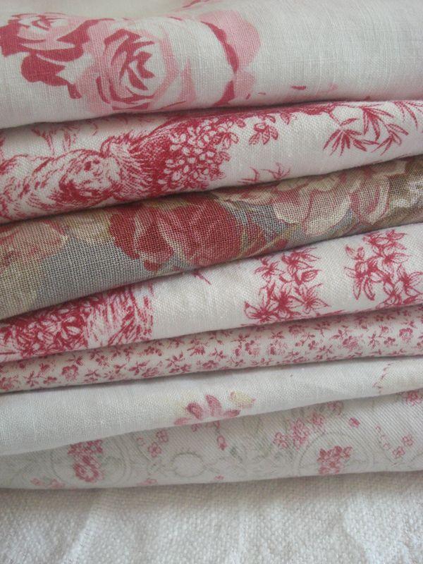 Tissus à imprimés Shabby chic, illustrés de roses sur fond blanc <3