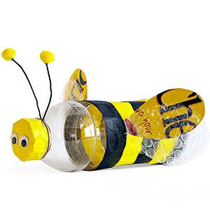 Upcycled bumblebee craft -- @Annie Compean Compean Compean Paganelli we could use the small water bottles we are saving??