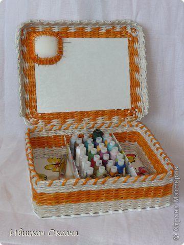 Поделка изделие Плетение Шкатулка под нитки и сундучок Бумага газетная Трубочки бумажные фото 5