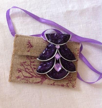collier capsules nespresso de r cup ration et sequins mauve collier sautoir r cup et rubans. Black Bedroom Furniture Sets. Home Design Ideas