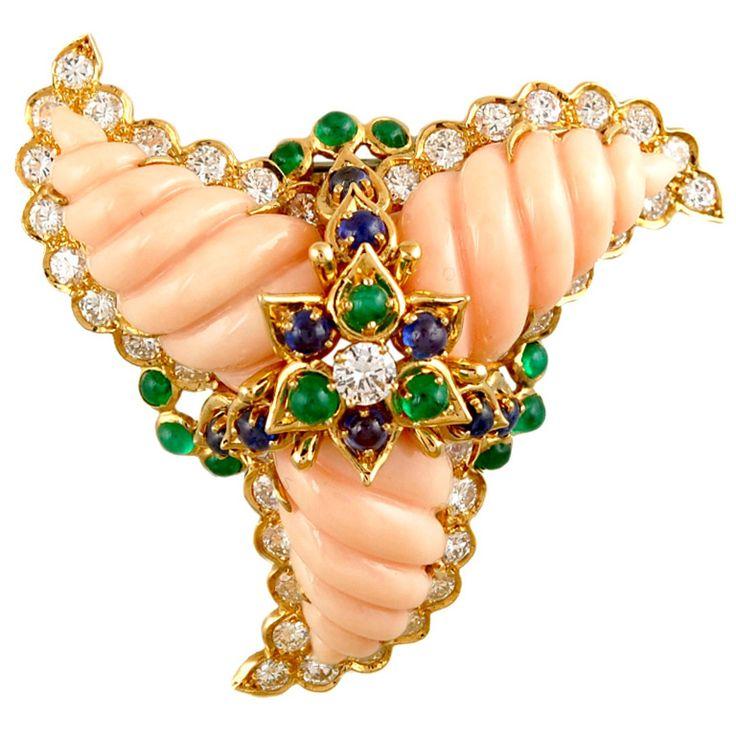 CARTIER кожа ангела Coral, алмазы, изумруды, сапфиры и 18-каратного желтого золота Pin Swirl