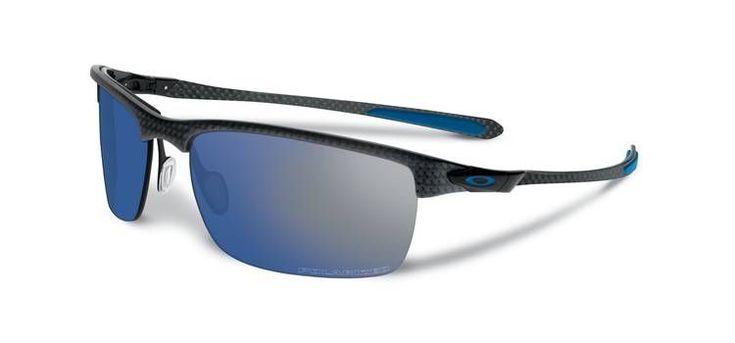 OAKLEY napszemüveg Carbon Blade Matte/Satin Black/Ice Iridium Polarized. Az Oakley napszemüveg lencse a saját fejlesztésű HDO - High Definition Optics® (Magasan meghatározott optika) technológiával készült, melyet a világ legnagyobb sportolói által támasztott követelmények alapján fejlesztettek ki. Átlátszósági-, prizma- és fénytörési összehasonlító tesztek igazolják, hogy a HDO lencsén keresztül sokkal pontosabban és élesebben látunk, mint a hagyományos napszemüvegekben. OLVASS TOVÁBB!