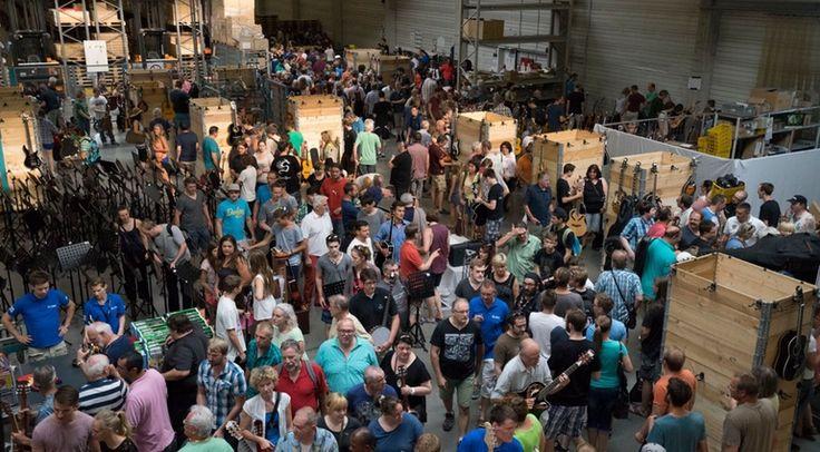 Am 16. Juli ist es wieder so weit: Von 9 – 14 Uhr lädt das Musikhaus Thomann zum Flohmarkt ein. Jeder darf mitmachen und auch das Musikhaus bietet Restposten oder defekte Ware als Bastlerware an.