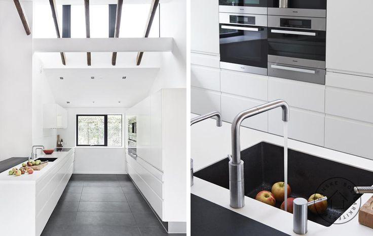 Totalrenoveret parcelhus fra 1960'erne med lækkert nyt køkken. Ombygningen er tegnet af arkitekt maa Anette Meldgaard/Danske BoligArkitekter.