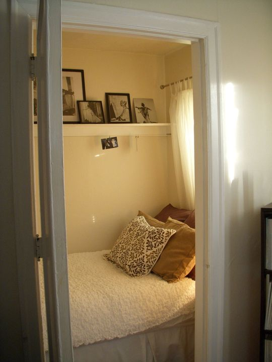 Wow, a walk-in closet turned bedroom! I could convert the tiny bedroom in my cabin into a walk-in and still fit a bed in there... good idea!