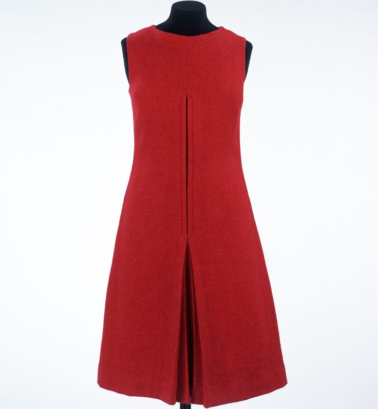 Mary Quant, Peachy Dress, 1960, Victoria & Albert Museum, London