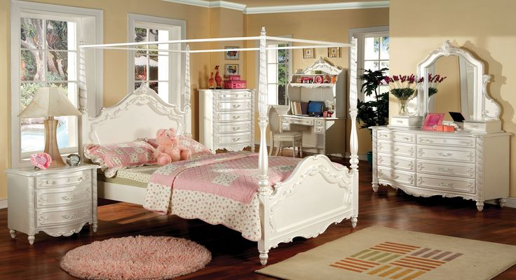 white-canopy-bed_victoria-traditional-pearl-white-full-canopy-bedroom-set_fairy-tale-style_french-dovetail-drawers_hand-brushed-gold-accents_vanity-jewelry-boxes-with-mirror_kids-bedroom-furniture_art.jpg (2400×1305)