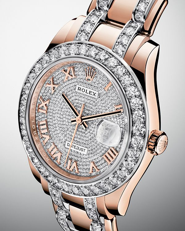 AMAZING ROLEX WATCH | The new Rolex Pearlmaster 39 in 18 ct Everose gold with a pink gold dial paved with 713 diamonds. | www.bocadolobo.com/ #luxurybrands #luxurylifestyle #exclusive