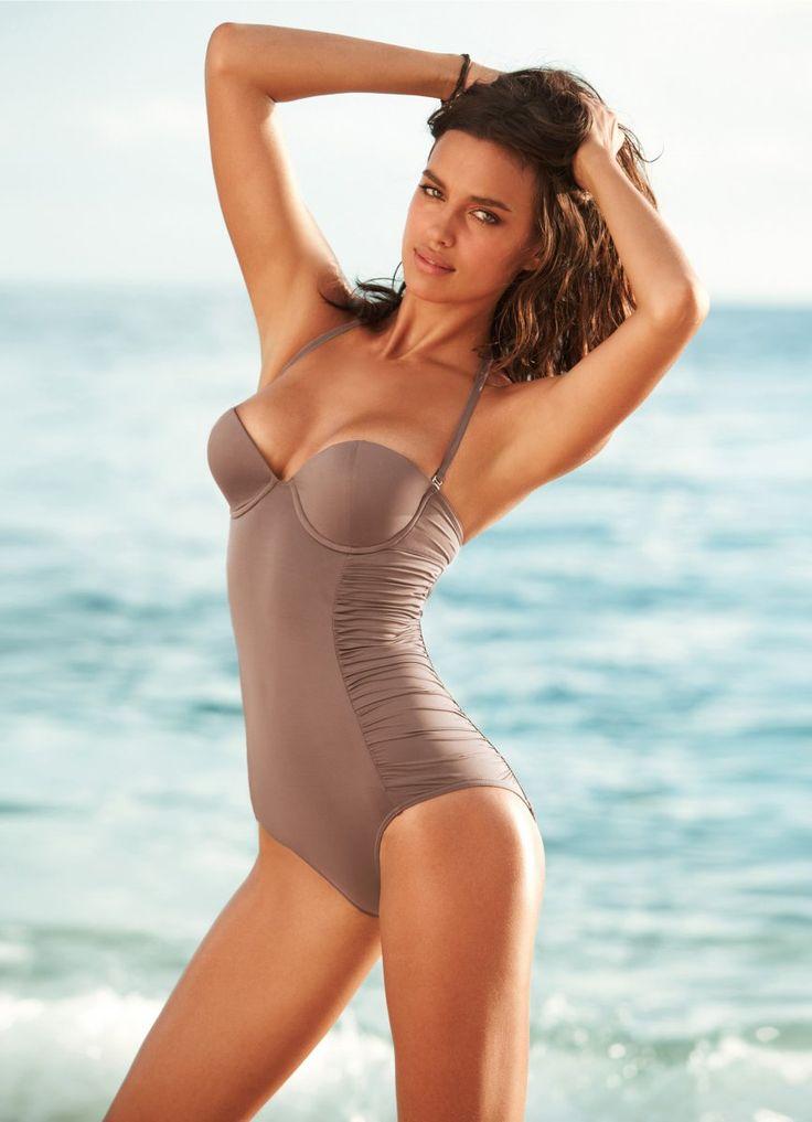Pretty Women in Bathing Suits