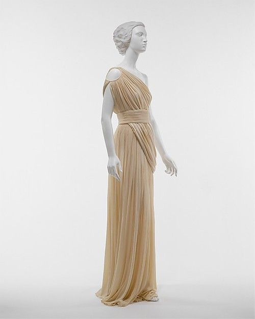 Dress  Madame Grès  The Metropolitan Museum of Art.  Classic beauty that can make a comeback now.