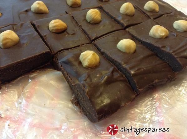 Εύκολο fudge σοκολάτας #sintagespareas #fudgesokolatas
