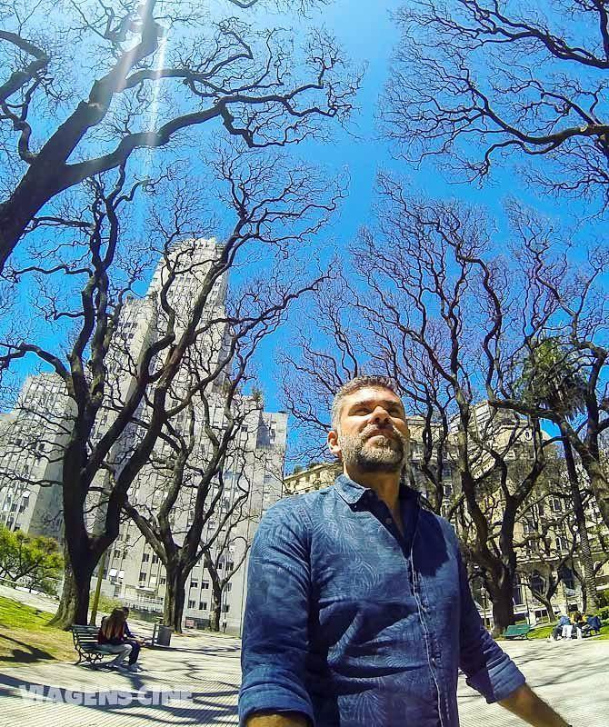 Que tal conhecer o lado B de Buenos Aires? Tem post novo no blog contando o tour que fizemos pela cidade e que conta a história e algumas curiosidades super interessantes de BsAs (link na bio) #BuenosBlogs #airesbuenos #travelsouthamerica #buenosaires #buenosairescity #DescubraBuenosAires #buenosairesphoto #worldtraveler #gaytraveler  #blogdeviagem #travelbloggerlife #igworldclub #photooftheday #historiasdadi #essemundoenosso #beautifuldestinations #discoverglobe #travelawesome…