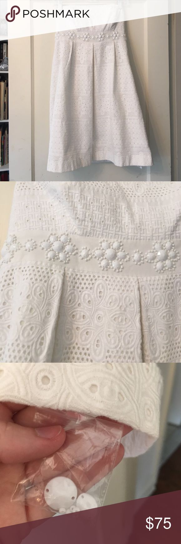 NWOT Lilly Pulitzer strapless eyelet white dress 2 Never worn! Purchased by my sister and it has hung in the closet since. Extra beads are still attached! Can hand wash before purchasing Lilly Pulitzer Dresses Strapless