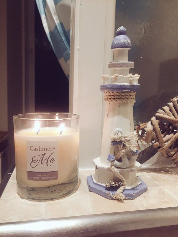 Blogger @hellorogue enjoying some well deserved me time with Fake Bake Beauty's Cashmere Me candle.
