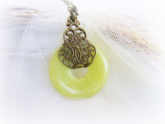Olive jade stone donut pendant necklace by MalinaCapricciosa