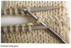 """Eine optisch interessante Verbindung zweier Strickteile mittels einer Häkelnadel - von tichiro.net dem Buch """"Knitting - Colour, structure and design"""" von Alison Ellen entnommen."""