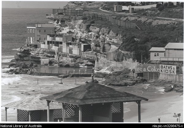 Bronte Baths, in Sydney - Back then. (Photo undated). v@e