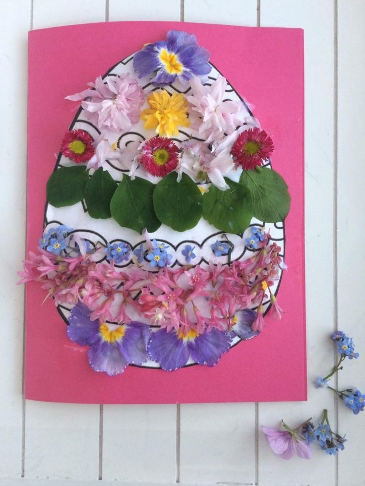 Easter nature craft A simple Easter craft and flower collage Easy crafts form nature