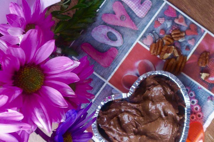 J'ai choisi de vous partager une recette que j'ai découverte lors d'un cours en alimentation vivante il y a quelques années: une mousse au chocolat à l'avocat. Et qui peut…