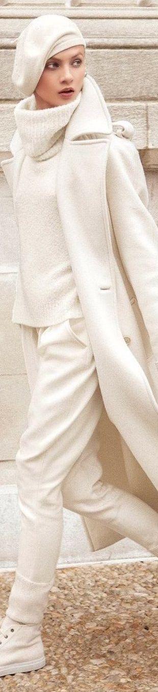 Ralph Lauren Fall 2014 Collection Wool Harrison Jodhpur • WHITE • HAUTE • CHIC  • ❤️ Babz ✿ιиѕριяαтισи❀ #abbigliamento