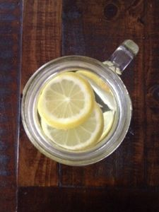 THE TOP 10 BENEFITS OF DRINKING LEMON WATER EVERY MORNING
