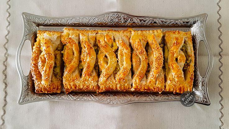 Patatesli Milföy Börek nasıl yapılır? Bir Dilim Lezzet farkıyla denenmiş, resimli ve güvenerek yapabileceğiniz Patatesli Milföy Börek malzemelerine ve tarifine göz atın...